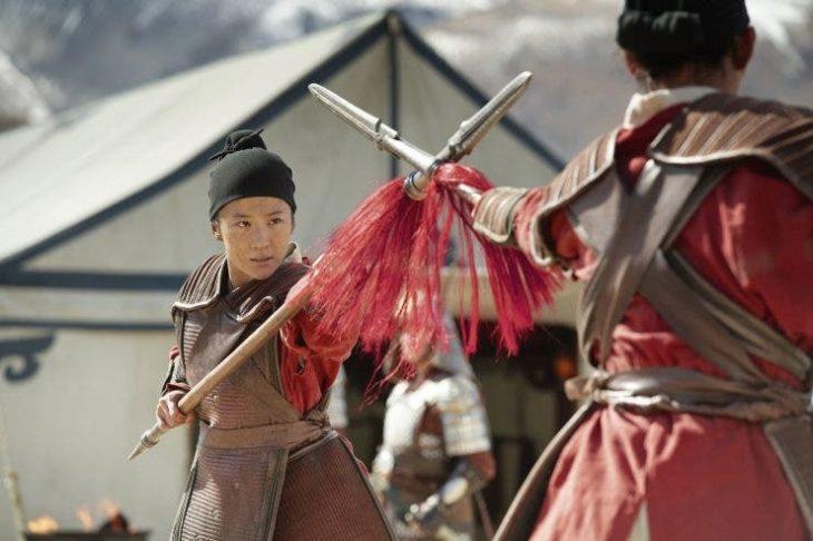 Mulan live action en batalla