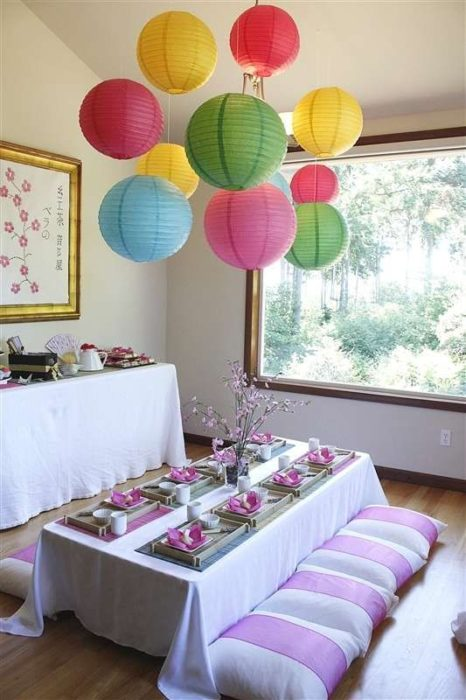 Decoración de mesa con temática de mulán
