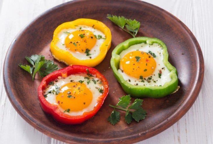 Huevo con pimiento morrón