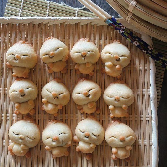 Platillo creador por la usuaria en Instagram Etoni Mama, panes bao con relleno dulce