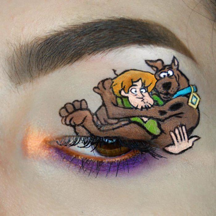 Maquillaje de ojos Scooby Doo