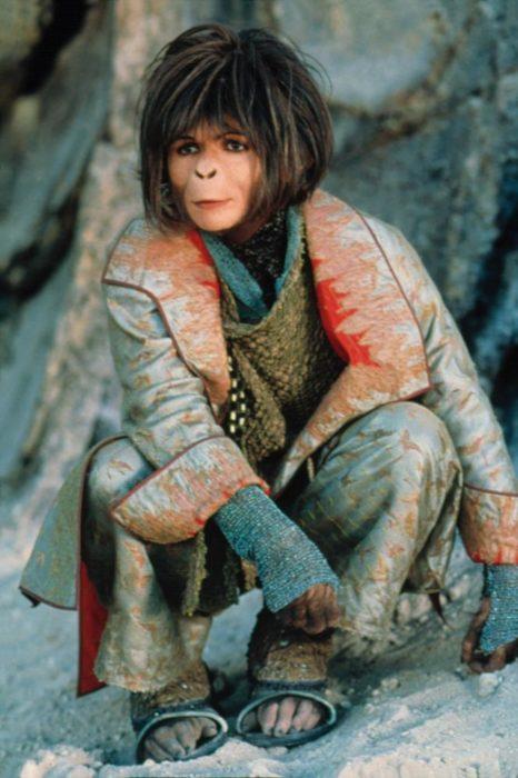 Helena Bonham Carter con un maquillaje de simio en la película El planeta de los simios