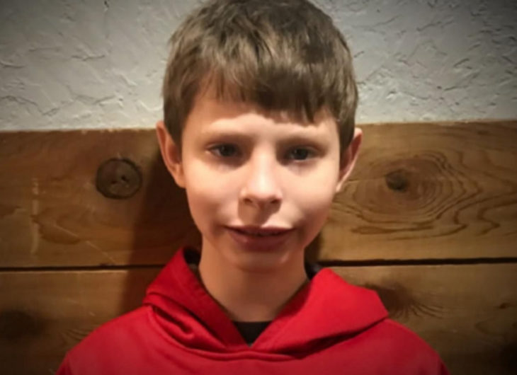 Jorda, niño de 9 años, quiere ser adoptado; niño rubio