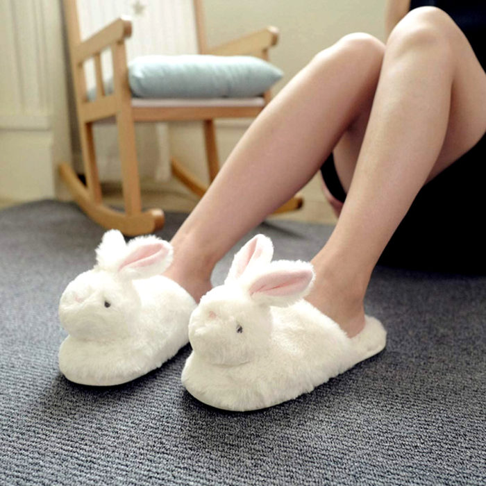 Pantuflas bonitas, kawaii, tiernas de conejo blanco
