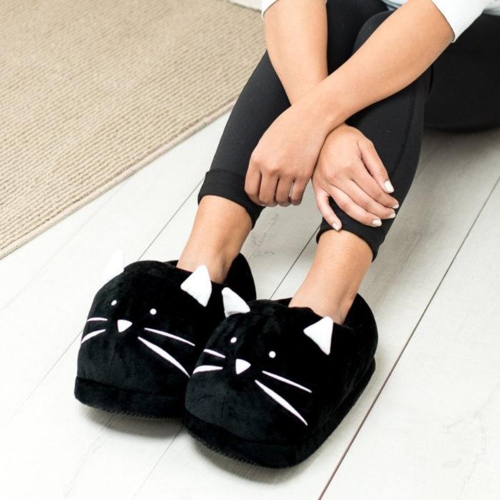 Cute, kawaii, cute black cat slippers
