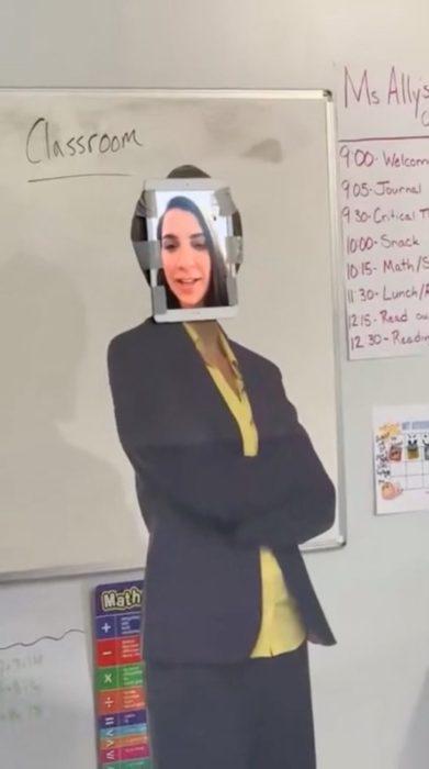 Papá transforma cochera en salón de clases para su hija (1)