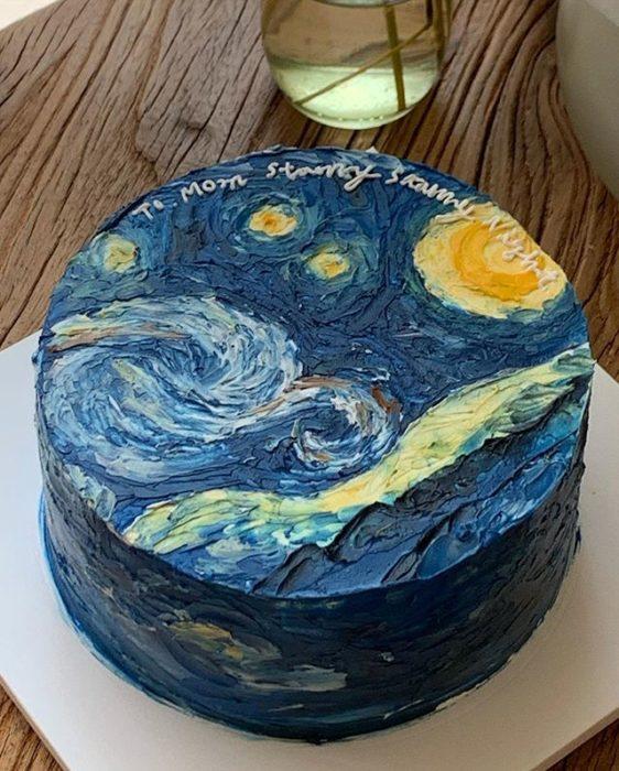 Pastel de la repostera Koike, inspirado en La noche estrellada de Van Gogh