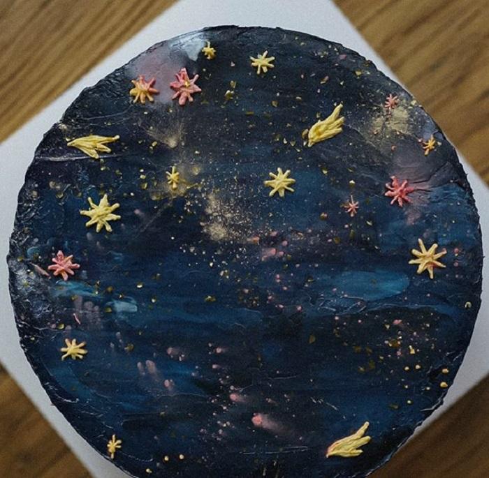 Pastel de la repostera Koike, inspirado en el cielo estrellado