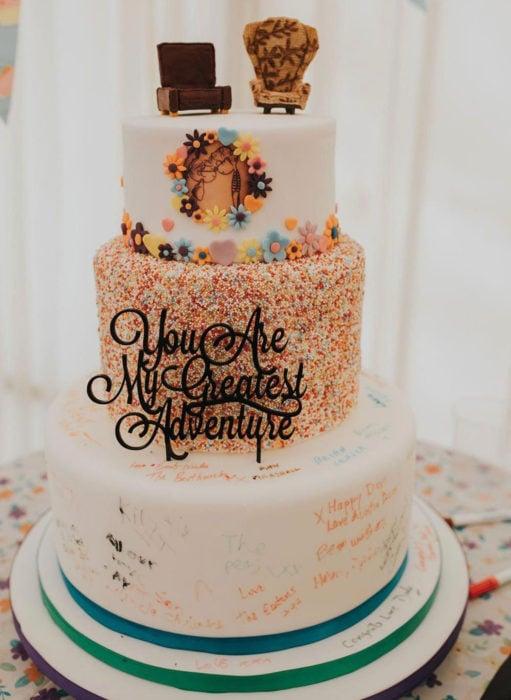 Pasteles de boda creativos y bonitos; Up: Una aventura de altura