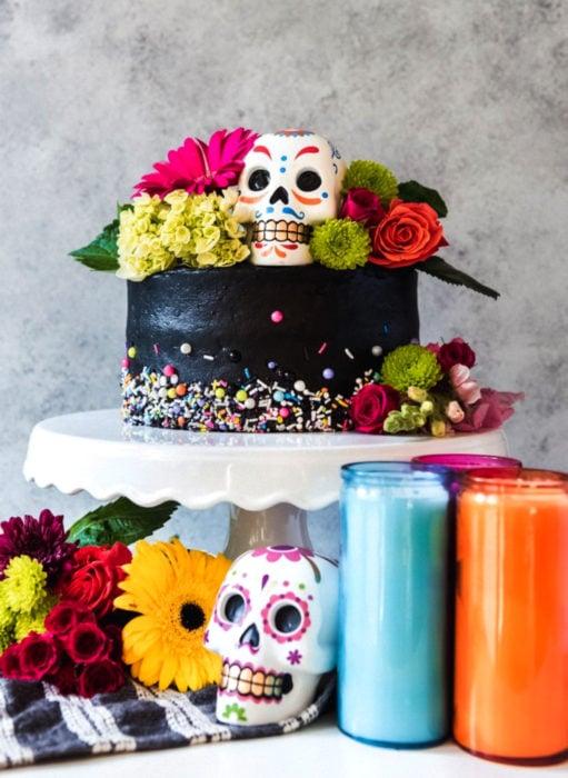 Pasteles de boda creativos y bonitos; Día de muertos con calaveras de dulce