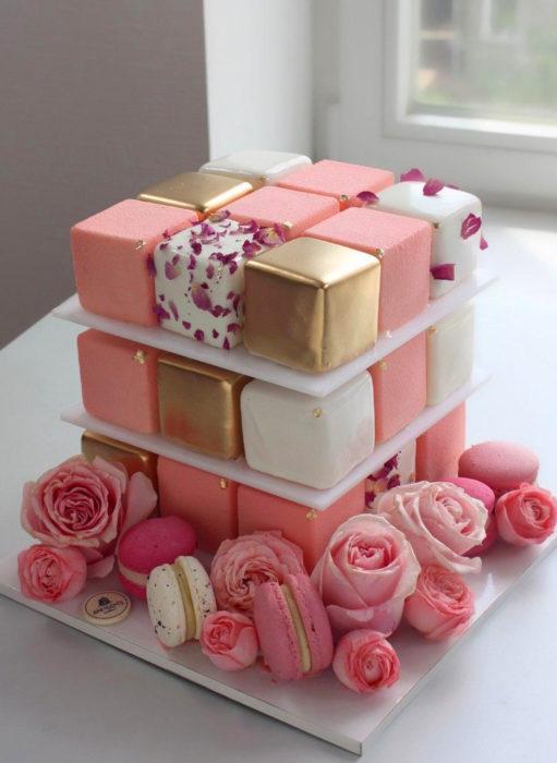 Pasteles de boda creativos y bonitos; cuadrado