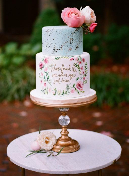 Pasteles de boda creativos y bonitos; con carta de amor
