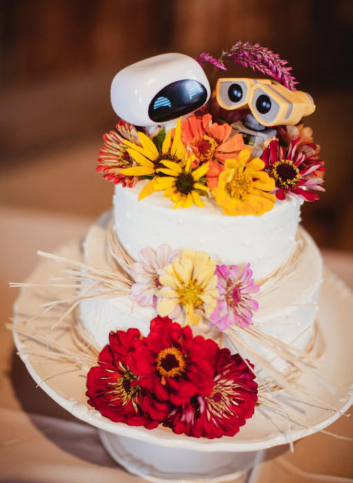 Pasteles de boda creativos y bonitos; Wall-E