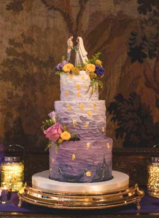 Pasteles de boda creativos y bonitos; Enredados