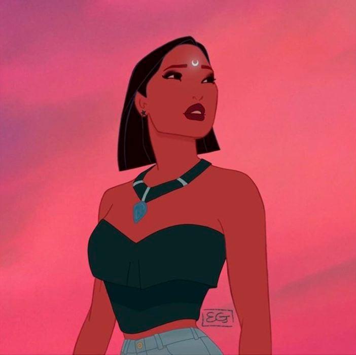 Pocahontas convertida en bruja, usando una blusa strapless y jeans de tiro alto