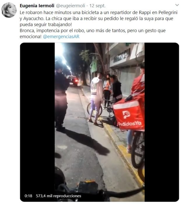 Screen shot de Tuiter, que explica lo que sucedió mientras el repartidor de comida hacía una entrega a domicilio
