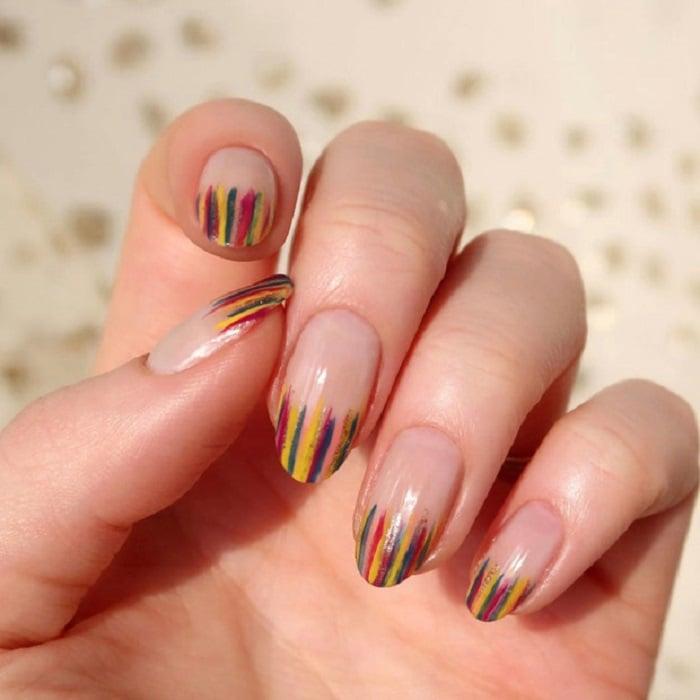 Nail art serpentina en tonos otoñales