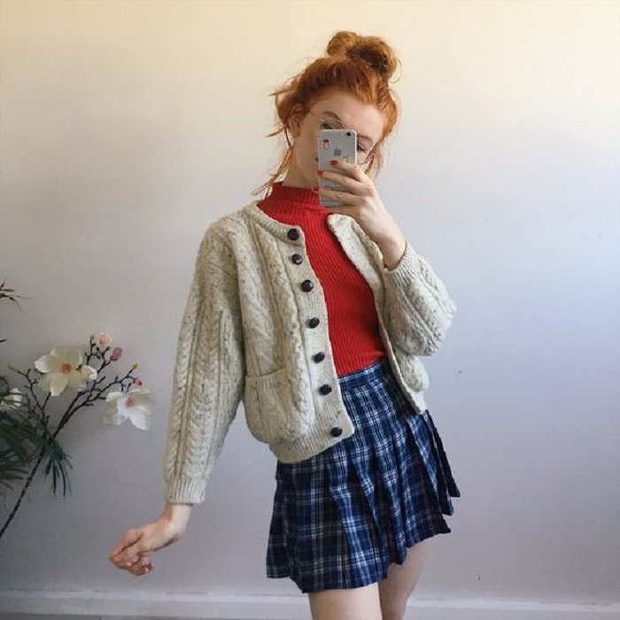 Autumn colors beige sweater with pockets on the sides and buttons