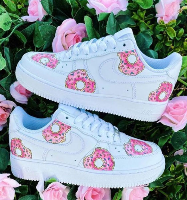 Tennis for girls, hand painted with Homer's donuts design