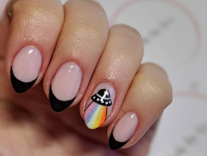 Manicure Design on Short Nails in Black French and a UFO Ship on It