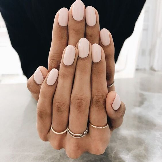 Low pink nails