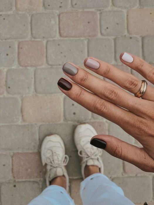 Nails with Scandinavian colors