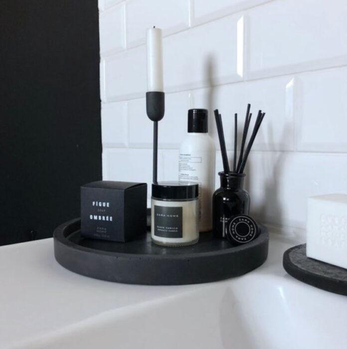 Artículos decorativos para baño de color negro