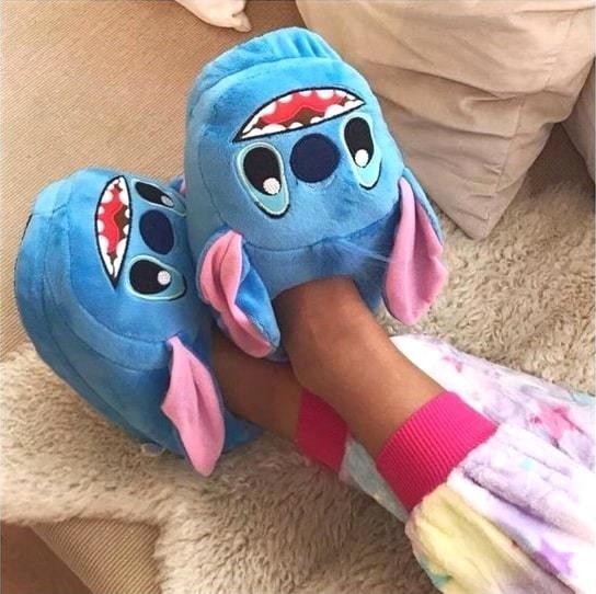 Pantuflas en forma de Stitch