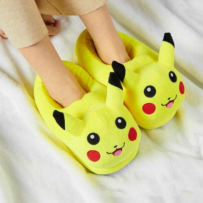 Pantuflas en forma de Pikachú