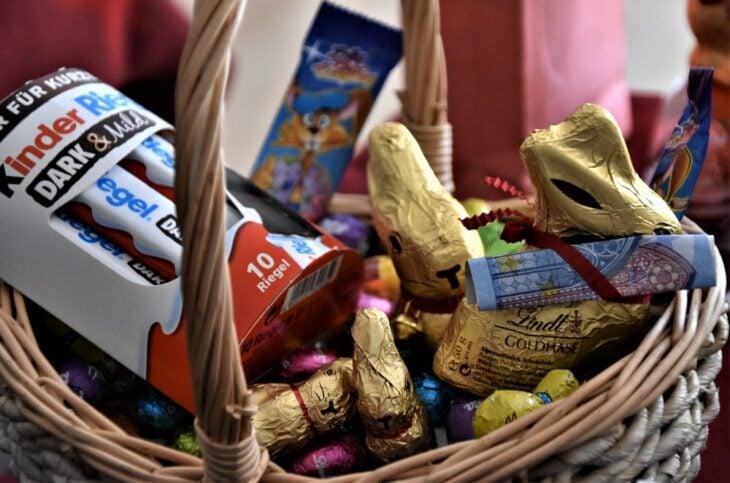 Canasta con dulces