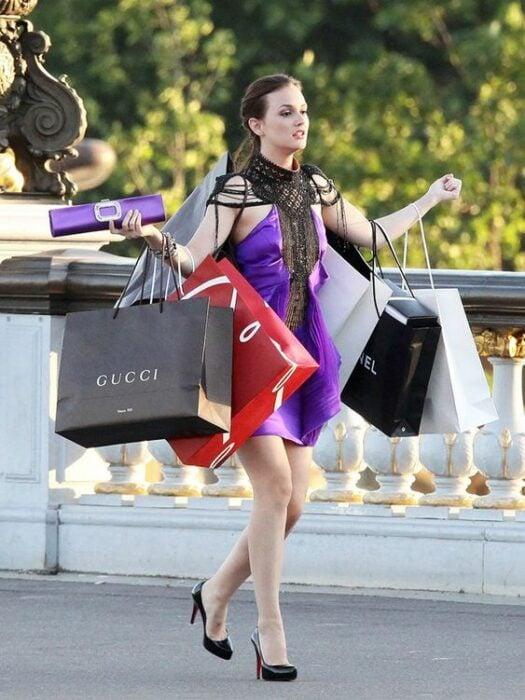Blair Waldorf cuando se va de compras