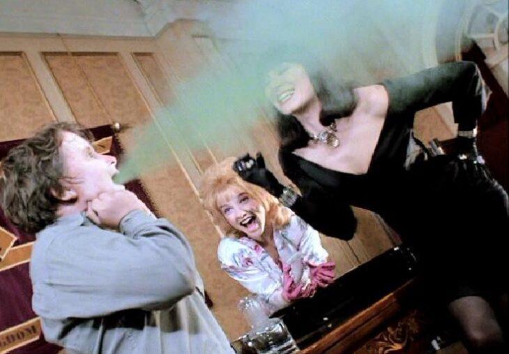 Escena de la película de Las brujas en las que Bruno se convierte en ratón