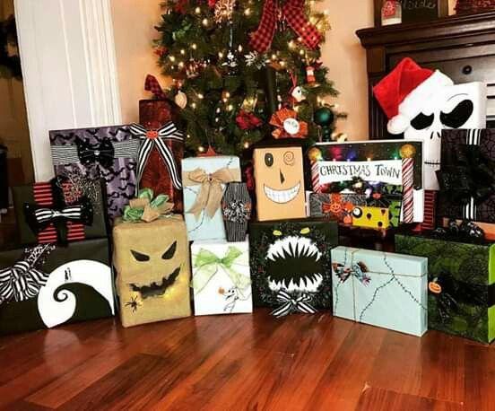Obsequios navideños decorados con tématica de El extraño mundo de Jack