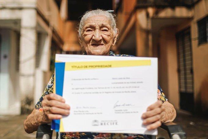 Abuelita de 114 años compra su casa propia; nada es imposible
