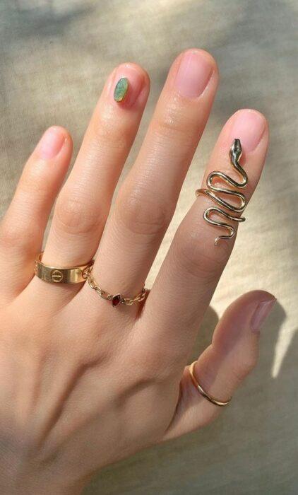 Snake-shaped index finger ring