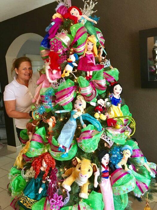 Árbol de navidad de princesas de Disney