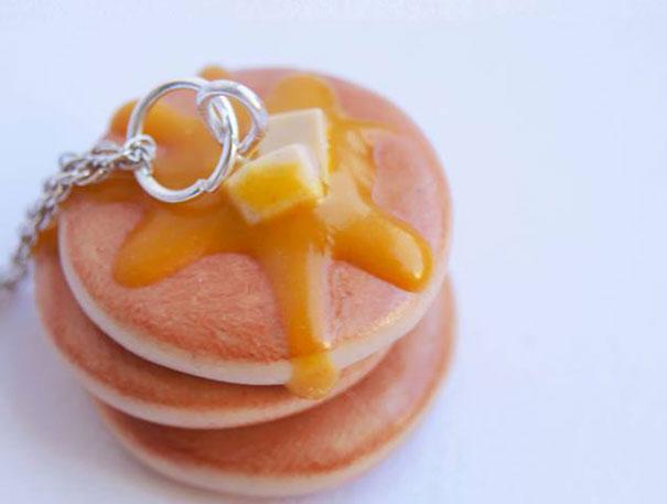 Small buttered pancake earrings