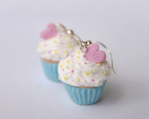 Small cupcake earrings with pastry cream and sprinkles