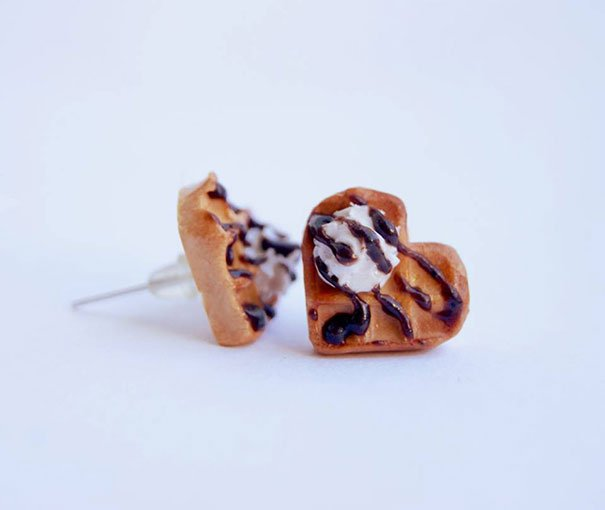 Small waffle earrings with ice cream and liquid chocolate