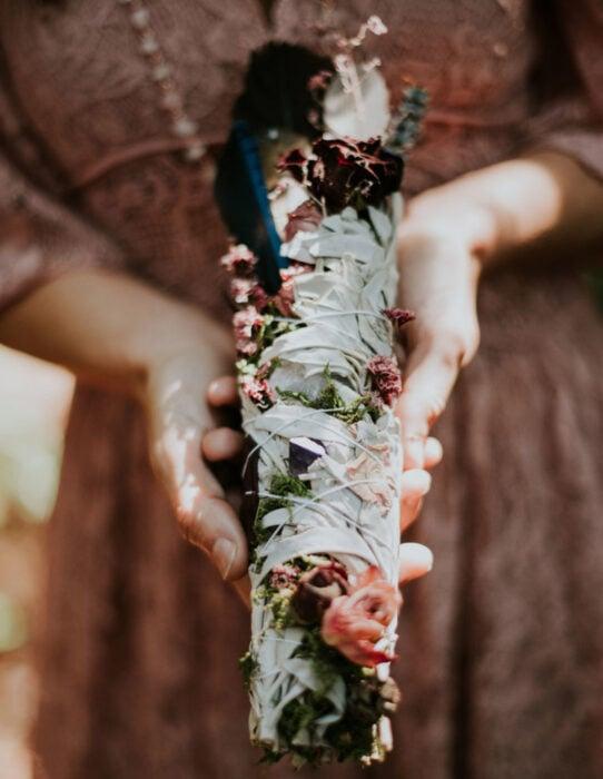 Ideas para una boda vikinga; salvia para limpiar el aura