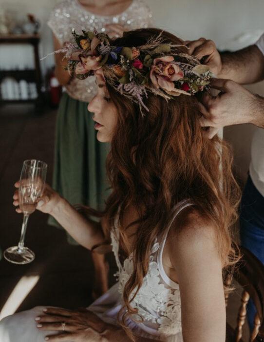 Ideas para una boda vikinga; corona de flores