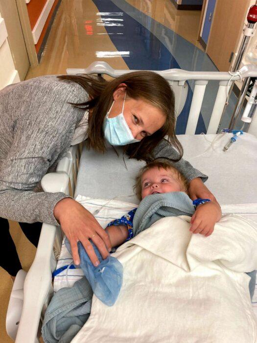 Bodie a punto de entrar a quirófano para su trasnplante de riñon