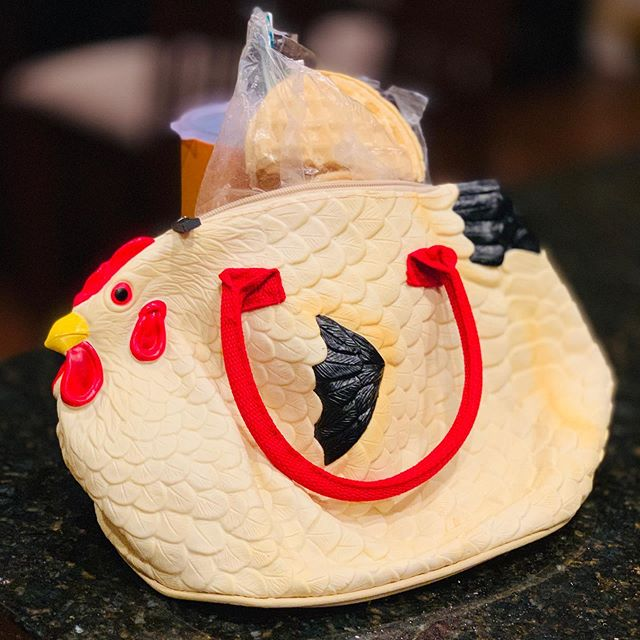 Bolso de goma en forma de gallina