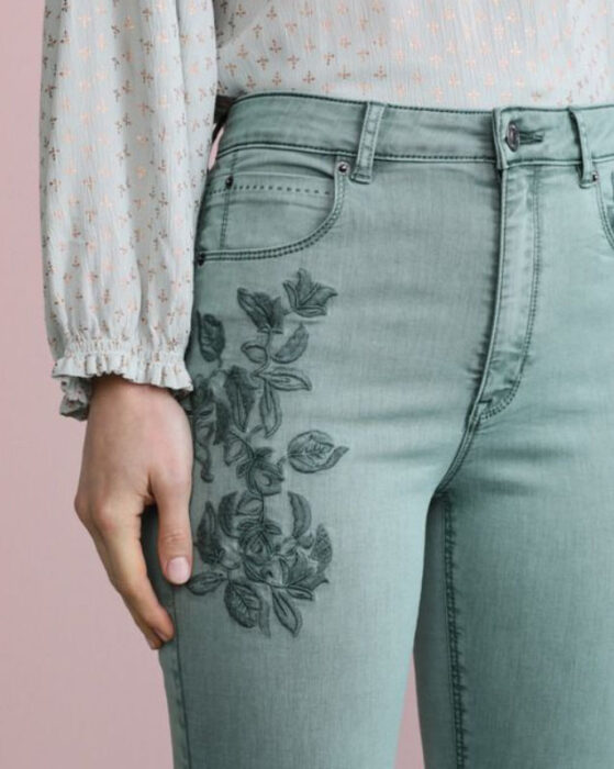 Embroidered on dark blue flower jeans