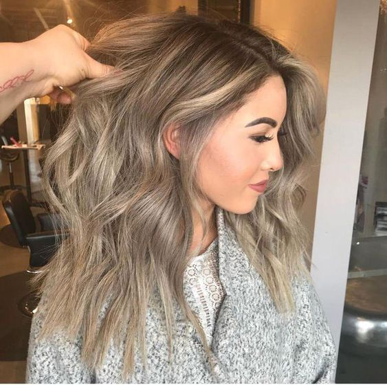 Sand colored hair; the tone that brightens and suits any skin type 6