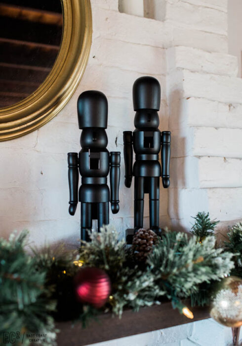 Cascanueces navideños de color negro