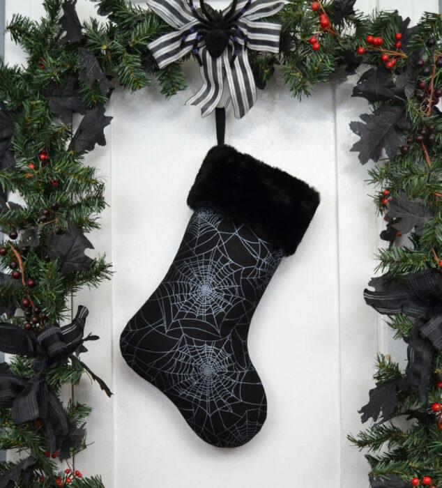 Bota navideña de color negro