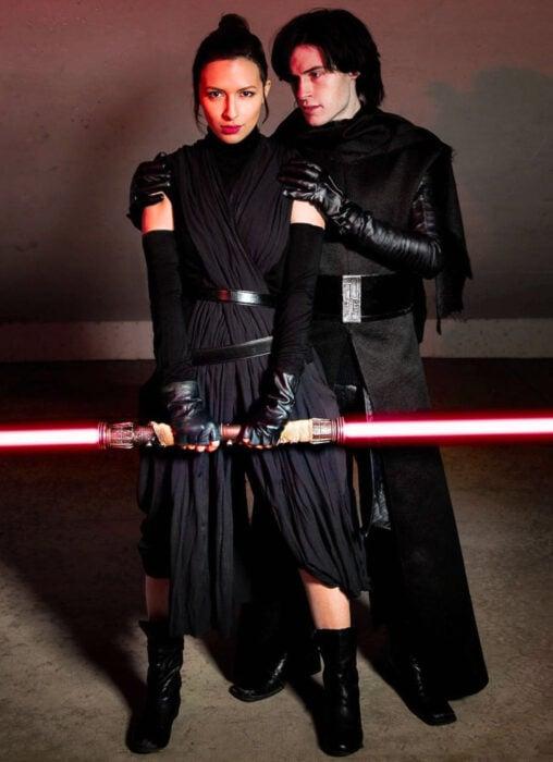 Ideas para disfraces de películas, series y caricaturas para Halloween; Star Wars, Rei y Kylo Ren