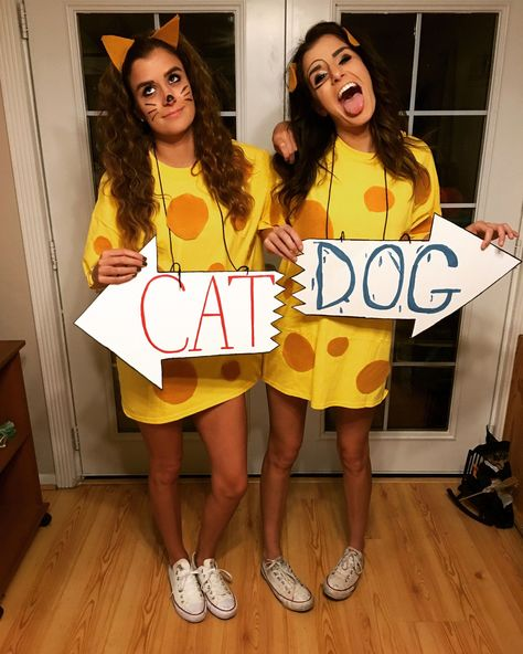 Chicas disfrazadas como los perritos Cat Dog de Nickelodeon