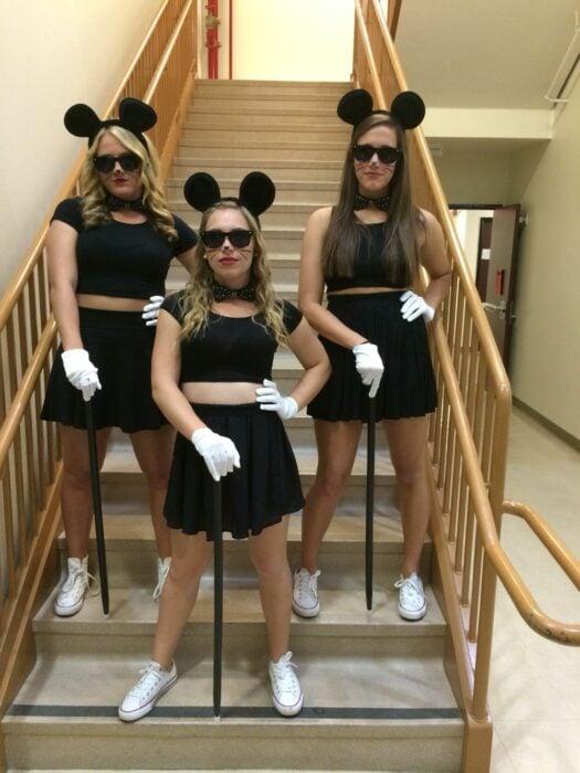 Chicas disfrazadas como los ratoncitos de Shreck